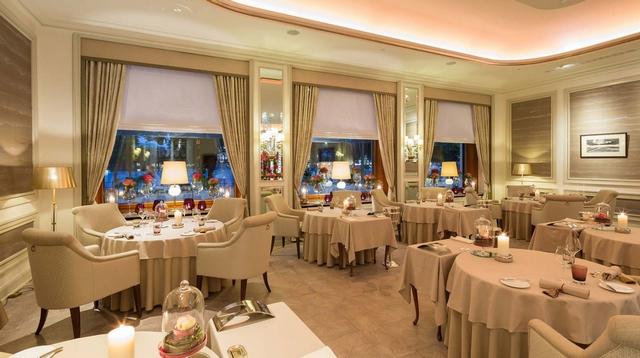 8 Stunning Ideas for Classic Modern Restaurants Interior Design  8 Stunning Ideas for Classic Modern Restaurants Interior Design Wohnenmitklassikern 100 Klassische Moderne Architektur und Einrichtungideen 12