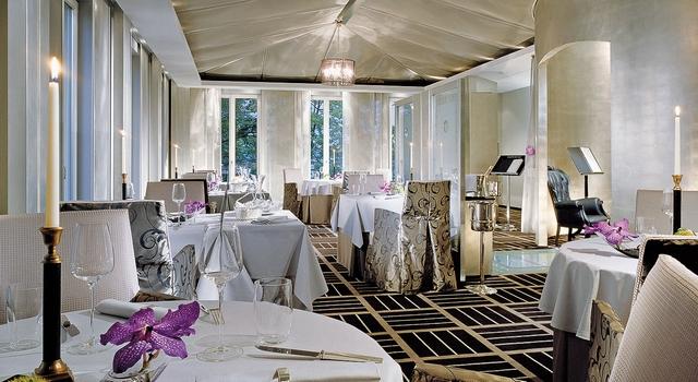 8 Stunning Ideas for Classic Modern Restaurants Interior Design ...