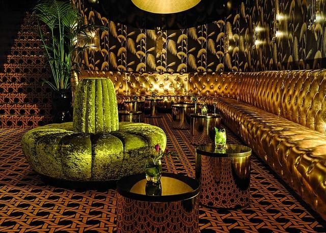 8 Stunning Ideas for Classic Modern Restaurants Interior Design  8 Stunning Ideas for Classic Modern Restaurants Interior Design Wohnenmitklassikern 100 Klassische Moderne Architektur und Einrichtungideen 28