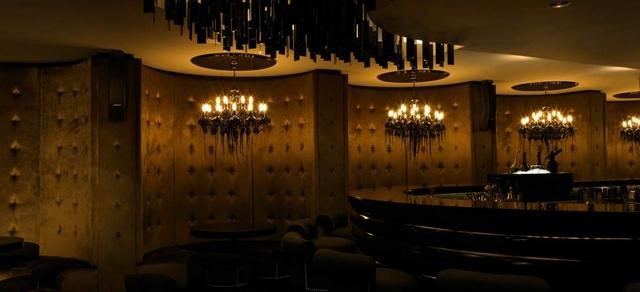8 Stunning Ideas for Classic Modern Restaurants Interior Design  8 Stunning Ideas for Classic Modern Restaurants Interior Design Wohnenmitklassikern 100 Klassische Moderne Architektur und Einrichtungideen 29