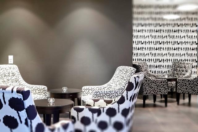8 Stunning Ideas for Classic Modern Restaurants Interior Design  8 Stunning Ideas for Classic Modern Restaurants Interior Design Wohnenmitklassikern 100 Klassische Moderne Architektur und Einrichtungideen 53