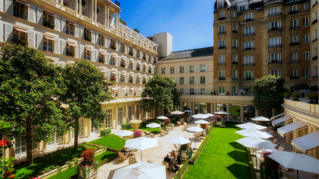 Where To Stay In Paris: 5 Incredibly Luxurious Hotels  where to stay in paris Where To Stay In Paris: 5 Incredibly Luxurious Hotels le bristol
