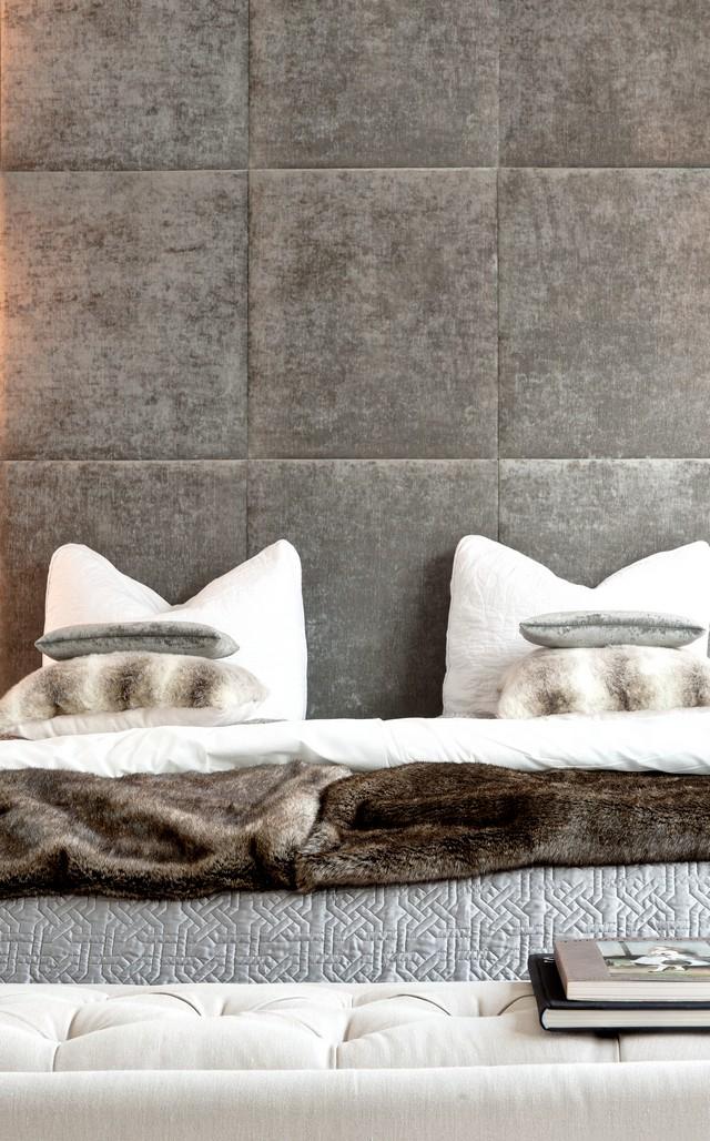 master bedroom luxury interiors by Lo Chen Design luxury apartment interior Best NYC luxury apartment interior – Visionaire by IMG Best NYC luxury apartment interior Visionaire by Lo Chen Master Bedroom Inspirations 3