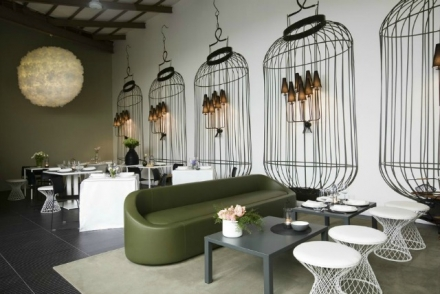 15 Stylish Modern Sofas In Astonishing Restaurant Interiors