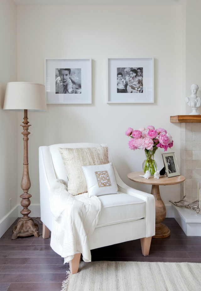 9 beautiful white chair designs for a simple yet elegant Reading nook in living room