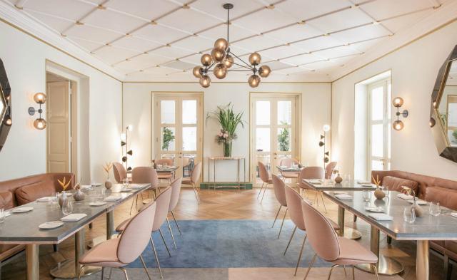 The Trendiest Color Scheme Ideas For Restaurant Interiors restaurant interiors The Trendiest Color Scheme Ideas For Restaurant Interiors The Trendiest Color Scheme Ideas For Restaurant Interiors 4