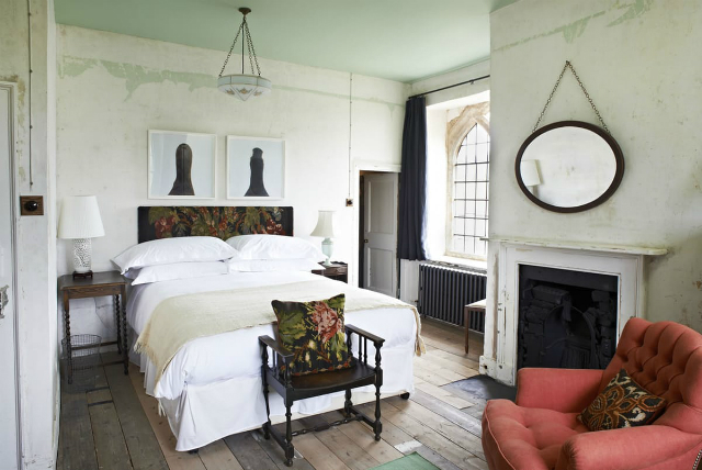 Inspiring home decor ideas from apartment therapy for Apartment therapy bedroom ideas