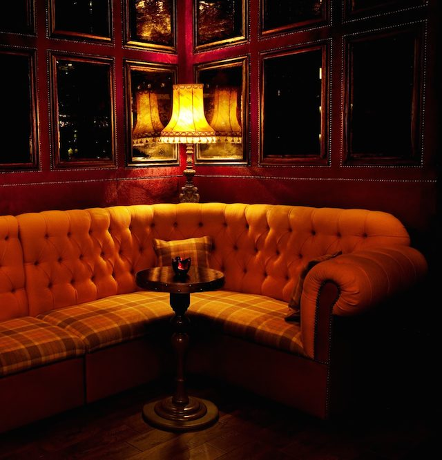 moody corners home decor home decor 9 DAZZLING HOME DECOR IDEAS BY INTERIOR DESIRES TO INSPIRE YOU! mc