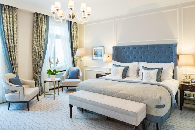 Get Inspired By The Stunning Fairmont Vier Jahreszeiten Hotel Interior  hotel interior Get Inspired By The Stunning Fairmont Vier Jahreszeiten Hotel Interior 14684 179 w e1476442169998