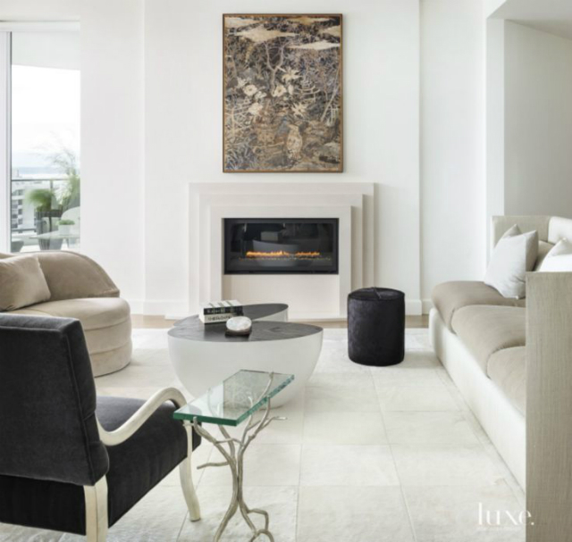 6 Amazing Black and White Living Rooms by Luxe Interiors+Design_3 living rooms 6 Amazing Black and White Living Rooms by Luxe Interiors+Design 443b769b2ead96d22d1fc29f0d7cbcc2