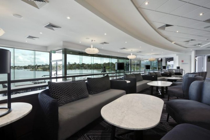 Get Inspired By The Modern Interior Design At Sydney Rowing Club modern interior design Get Inspired By The Modern Interior Design At Sydney Rowing Club. SydneyRowingClub Lounge Bar Sidney 1