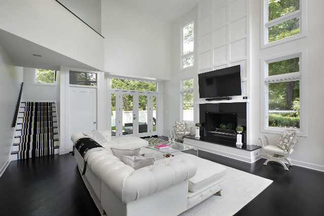 6 Amazing Black and White Living Rooms by Luxe Interiors+Design_5 living rooms 6 Amazing Black and White Living Rooms by Luxe Interiors+Design familyroom1 568sheridan