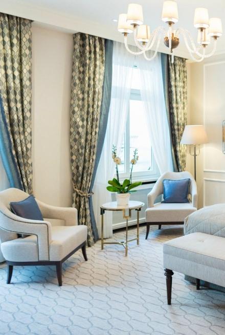 Get Inspired By The Stunning Fairmont Vier Jahreszeiten Hotel Interior