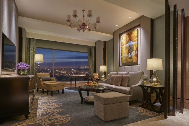 7 MOST REMARKABLE hospitality design PROJECTS by WILSON ASSOCIATES hospitality design 7 MOST REMARKABLE HOSPITALITY DESIGN PROJECTS by WILSON ASSOCIATES Two Bay Suite Living Room 960x600