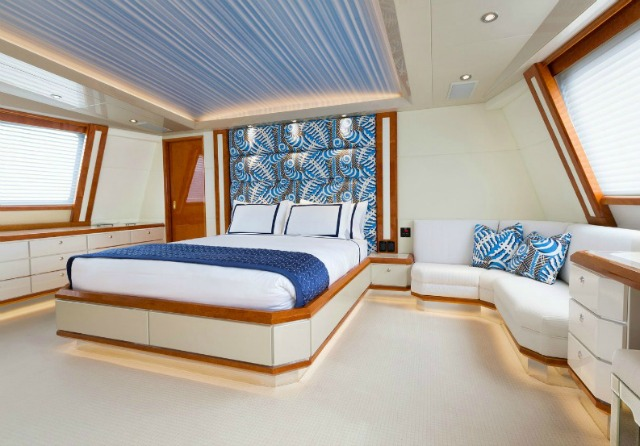 Discover An Incredible Yacht Interior Design Inspired By James Bond yacht interior design DISCOVER AN INCREDIBLE YACHT INTERIOR DESIGN INSPIRED BY JAMES BOND lincoln yacht4JPG