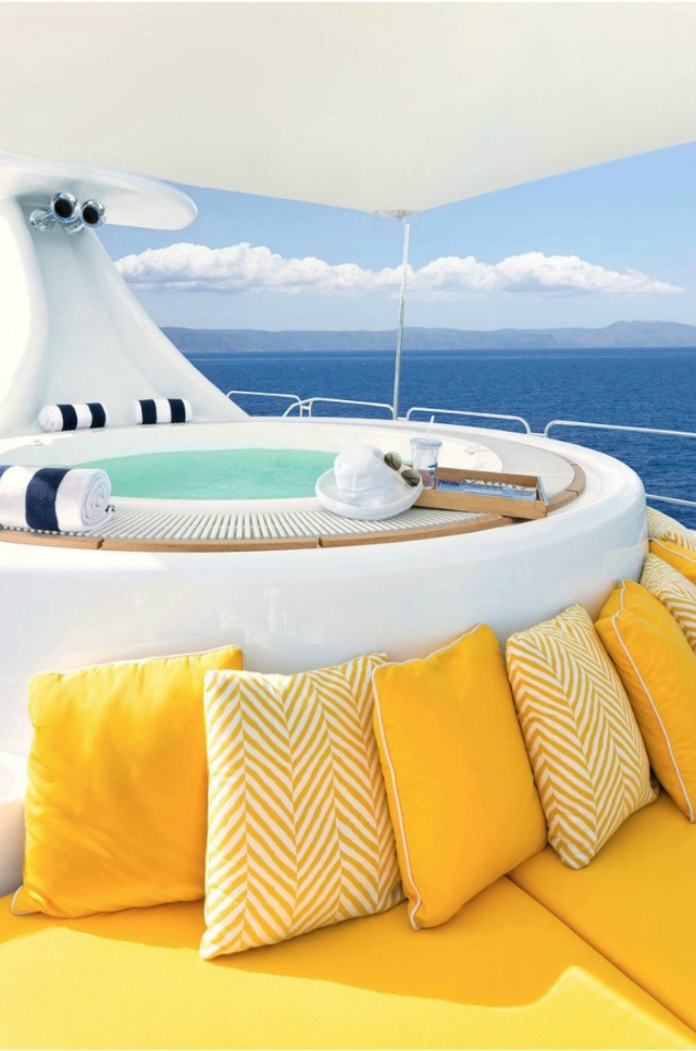 Discover An Incredible Yacht Interior Design Inspired By James Bond yacht interior design DISCOVER AN INCREDIBLE YACHT INTERIOR DESIGN INSPIRED BY JAMES BOND lincoln yacht 07