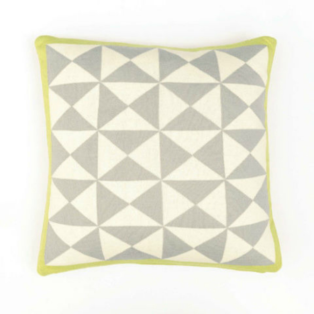 10 Home Decor Trends Loved In 2016 According To Elle Decor  home decor 10 Home Decor Trends Loved In 2016 According To Elle Decor gallery 1480629258 geometric pillow