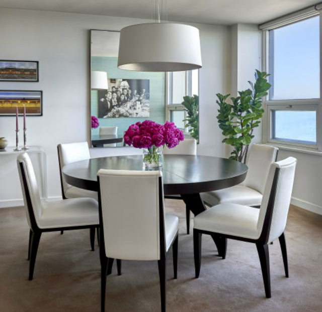 10 stunning decorating ideas to style a round dining room table - The round tables as the good dining room interior design ideas ...
