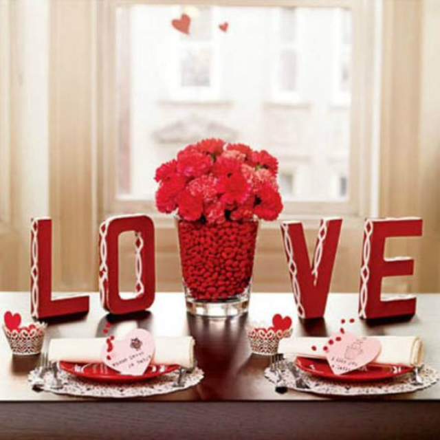 How To Style A Dining Room Table  valentines day How To Style A Dining Room Table This Valentines Day 2563bb0772e23bbb3cd912e8de0999a2