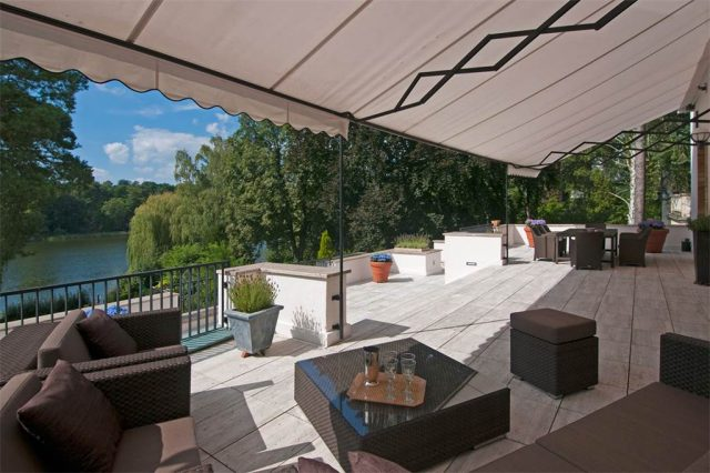 villa-with-impressive-lake-view-berlin2 dream houses Most Expensive Dream Houses in Germany To Inspire your Luxury Side VILLA WITH IMPRESSIVE LAKE VIEW BERLIN2 e1483458105496