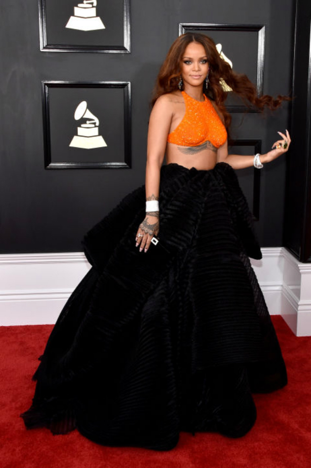 TOP 5 Best Red Carpet Dresses from 2017 GRAMMY AWARDS
