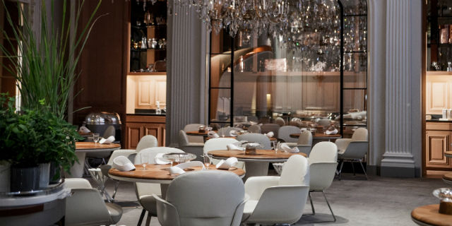 5 Alain Ducasse Restaurants For Major Interior Design Inspiration Interior Design Inspiration 5 Alain Ducasse Restaurants For Major Interior Design Inspiration Alain Ducasse au Plaza Ath  n  e 2