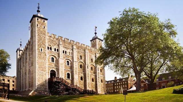 BRABBU's Travel Guide To London For The Design Lover toweroflondon