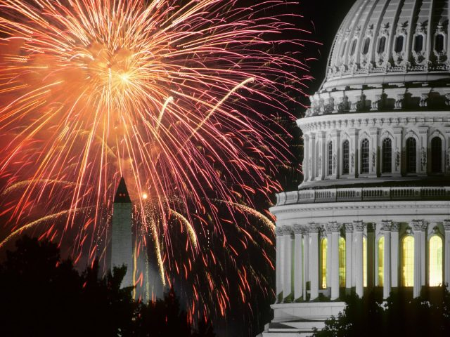 10 Must-See Fourth Of July Fireworks In The USA  10 Must-See Fourth Of July Fireworks In The USA 10 Must See Fourth Of July Fireworks In The USA 1 e1498656409112