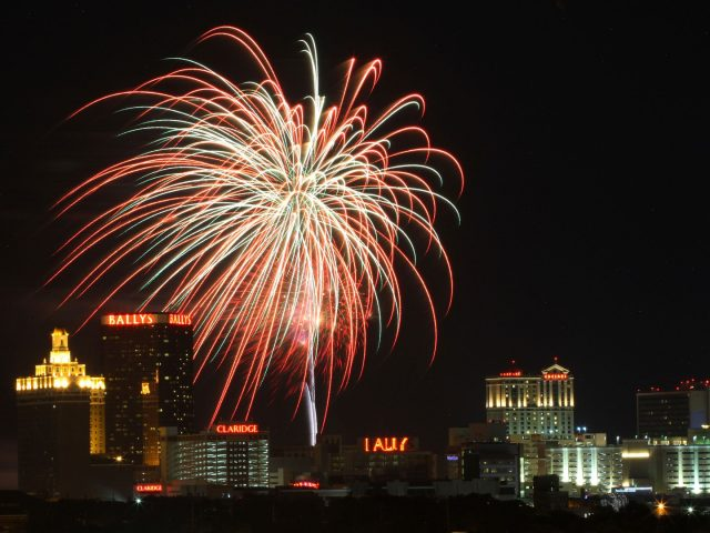 10 Must-See Fourth Of July Fireworks In The USA   10 Must-See Fourth Of July Fireworks In The USA 10 Must See Fourth Of July Fireworks In The USA 4 e1498658797182