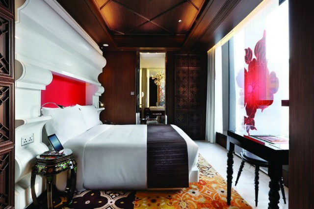 9 Breathtaking Home Decor Ideas To Steal From Marcel Wanders   9 Breathtaking Home Decor Ideas To Steal From Marcel Wanders Half moon project bedroom by Marcel Wanders