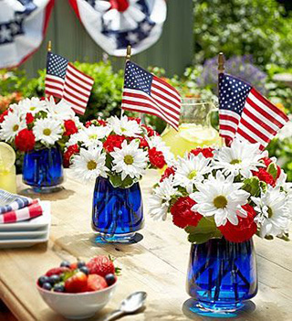 BRABBU's Quick Guide On Fourth Of July Decorations For A Chic Holiday BRABBU's Quick Guide On Fourth Of July Decorations For A Chic Holiday eb786dd3e9d4646445cd30e6ffb20004 4th of July 4th of July Incredible Interior Design Inspiration: How to Decorate with Blue & Red eb786dd3e9d4646445cd30e6ffb20004