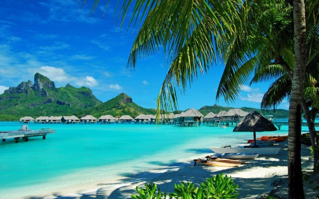 7 Celebrity Travel Destinations That You Will Want To Visit ASAP  travel destinations 7 Celebrity Travel Destinations That You Will Want To Visit ASAP hawaii