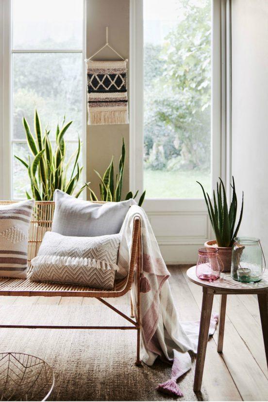 Home Decor Home Decor Ideas to make your spring season bloom cover 1 552x828