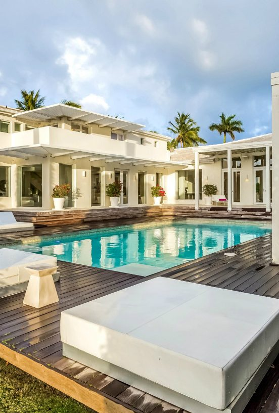 beach house Be Inspired By Shakira´s Beach House in Miami cover2 552x817