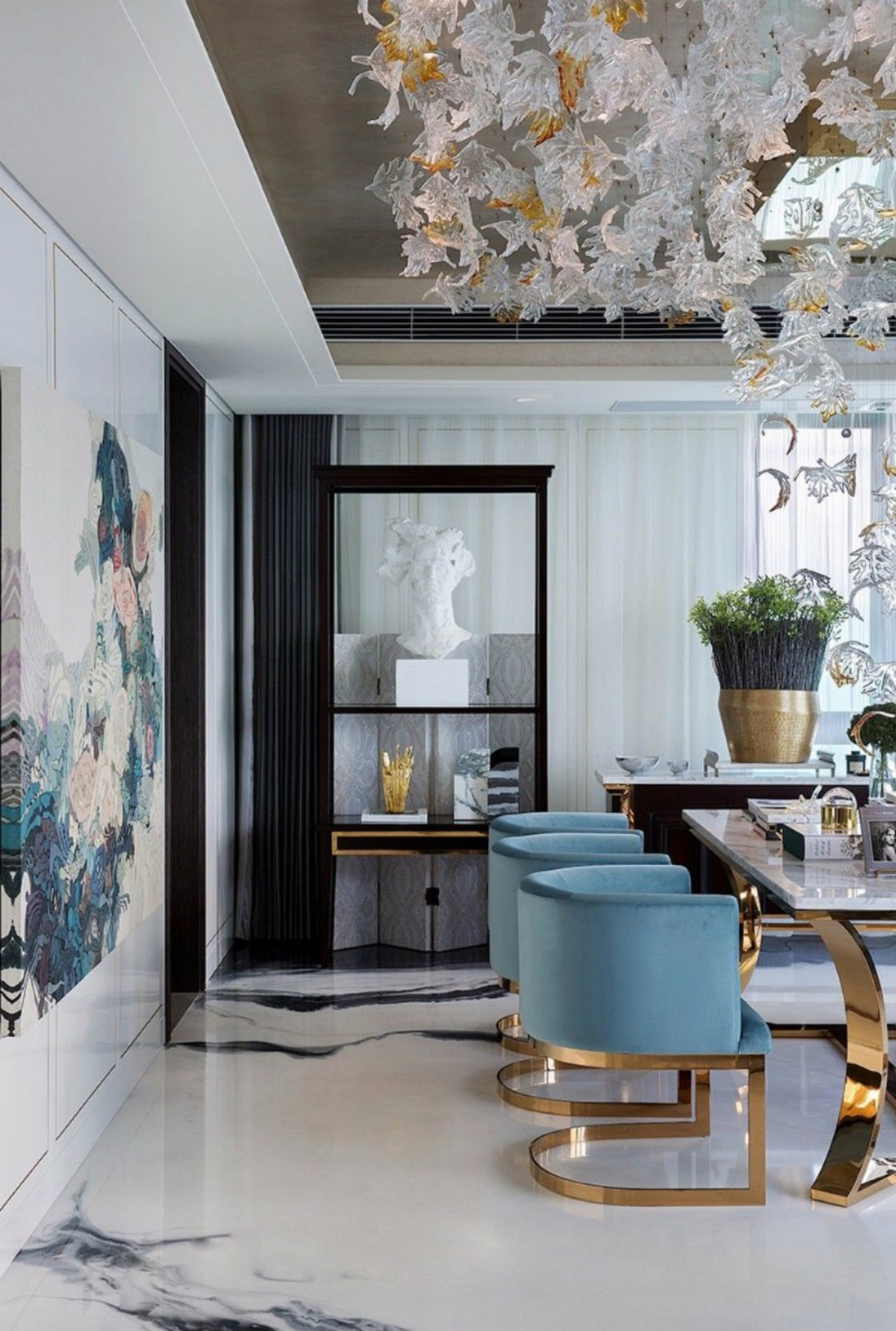 Picture of: Upholstered Dining Chairs 10 Inspiring Dining Room Designs