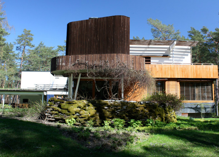 Mid-Century Modern mid-century modern 10 Mid-Century Modern Homes by World Acclaimed Designers Villa Mairea
