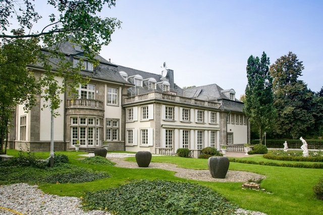 MOST EXPENSIVE HOMES: TOP 10 Luxury Houses for sale in Germany most expensive homesMOST EXPENSIVE HOMES: TOP 10 Luxury Houses for sale in GermanyTOP 10 Luxus Wohnungen zum Verkauf in Deutschland Haute Couture in Diplomats Quarter
