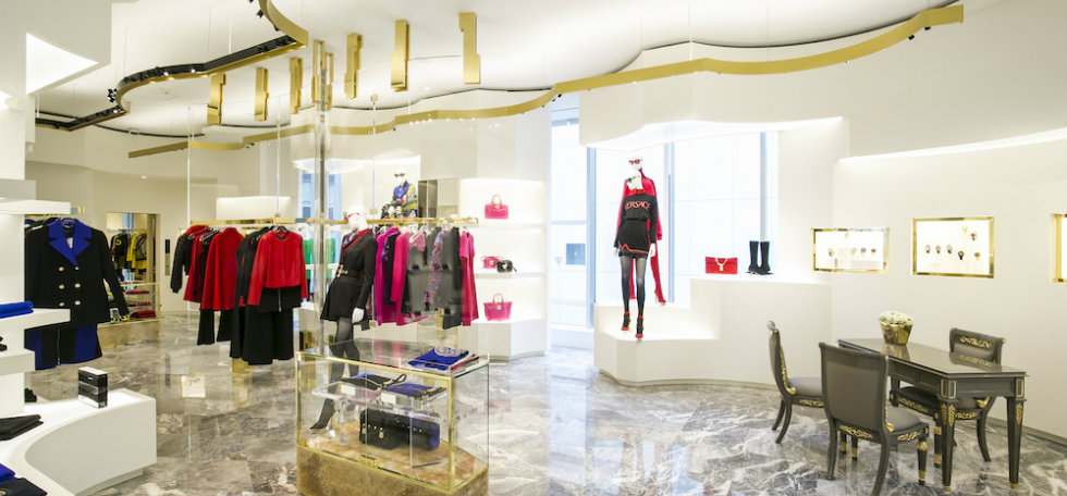 Versace opens a new luxury boutique in Tokyo luxury boutiqueVersace opens a new luxury boutique in TokyoVersace opens a new luxury boutique in Tokyo 6