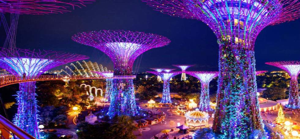 feature things to do in singaporeThings to do in Singapore – Christmas Wonderland at Gardens by The Bayfeature