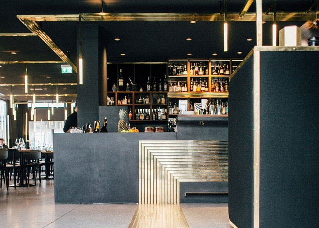 brass lines making success in modernist herzog bar. Black Bedroom Furniture Sets. Home Design Ideas