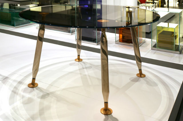 Starck Launches Lady Hio Colored Dining Tables philippe starckPhilippe Starck Launches Lady Hio Colored Dining TablesPhilippe Starck 3