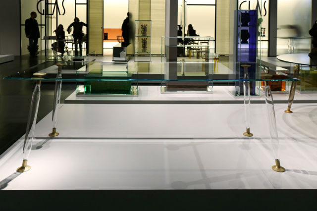 Starck Launches Lady Hio Colored Dining Tables philippe starckPhilippe Starck Launches Lady Hio Colored Dining TablesPhilippe Starck 4