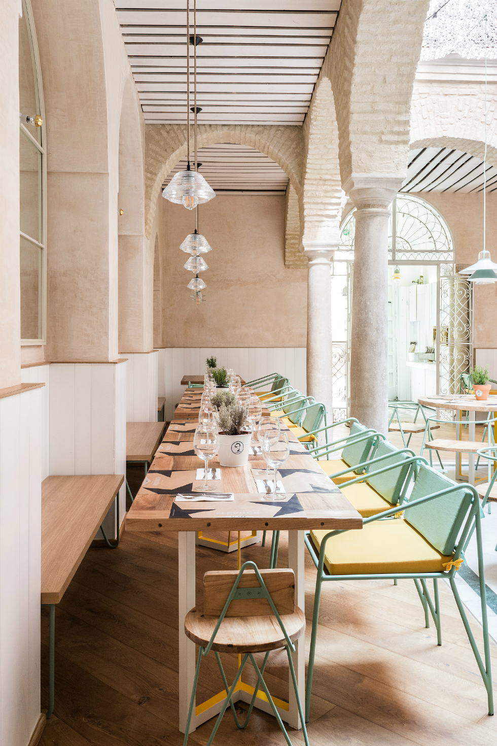Spanish restaurant with a great design El Pintón - 1 spanish restaurantSpanish restaurant with a great design: El PintónSpanish restaurant with a great design El Pint  n 1