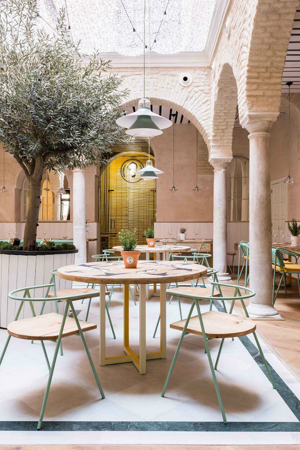 Spanish restaurant with a great design El Pintón - 2 spanish restaurantSpanish restaurant with a great design: El PintónSpanish restaurant with a great design El Pint  n 2