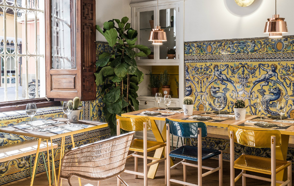 Spanish restaurant with a great design El Pintón spanish restaurantSpanish restaurant with a great design: El PintónSpanish restaurant with a great design El Pint  n
