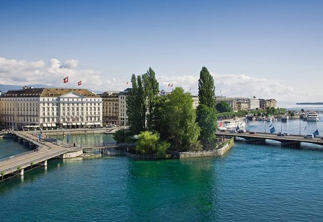 Swiss Deluxe Hotels Genève - Four Seasons Hotel des Bergues Switzerland   41 Swiss Deluxe Hotels11 Swiss Deluxe Hotels Gen  ve Four Seasons Hotel des Bergues