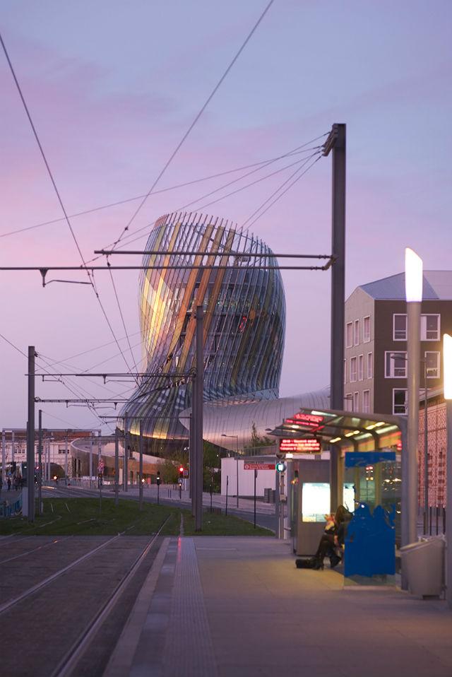Iconic Design XTU Architects Completed 'La Cité du Vin' In Bordeaux (5) Iconic DesignIconic Design: XTU Architects Completed 'La Cité du Vin' In BordeauxIconic Design XTU Architects Completed La Cit   du Vin In Bordeaux 5