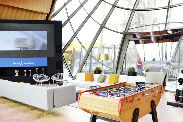 A Luxury Apartment Inside the Eiffel Tower (10) Euro 2016Euro 2016 Exclusive: A Luxury Apartment Inside the Eiffel TowerEuro 2016 Exclusive A Luxury Apartment Inside the Eiffel Tower 10