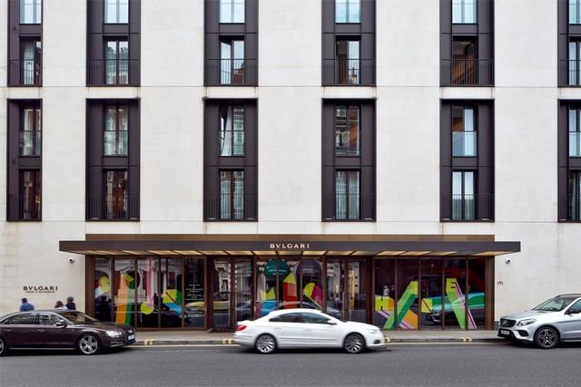 Best London Hotels - Bulgari Hotel London London Design Festival 2016Bulgari Hotel welcomes Sign Machine for London Design Festival 2016Bulgari Hotel welcomes Sign Machine for London Design Festival 2016 1
