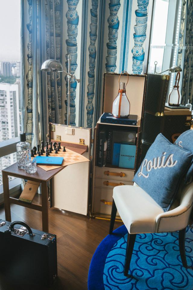 Amazing L'Appartement Louis Vuitton in Singapore by Cameron Woo Design_1 L'Appartement Louis VuittonAmazing L'Appartement Louis Vuitton in Singapore by Cameron Woo DesignLappartement Louis Vuitton Singapore 2016 7